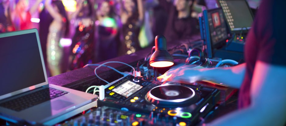 Ihre erfahrene Hochzeitsband aus NRW in Kombination mit DJ